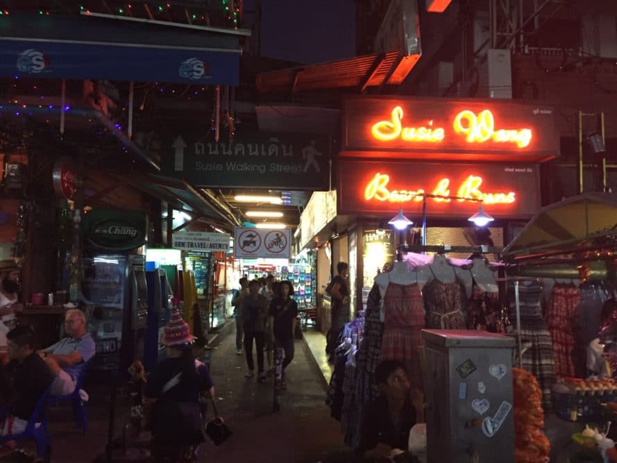 Khao San Road // Die Backpacker Meile in Bangkok - Susies Walking Street