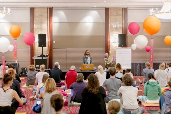 Fotocredit Hanna-Witte2018-244-Yoga Conference Germany - Octavio Salvado